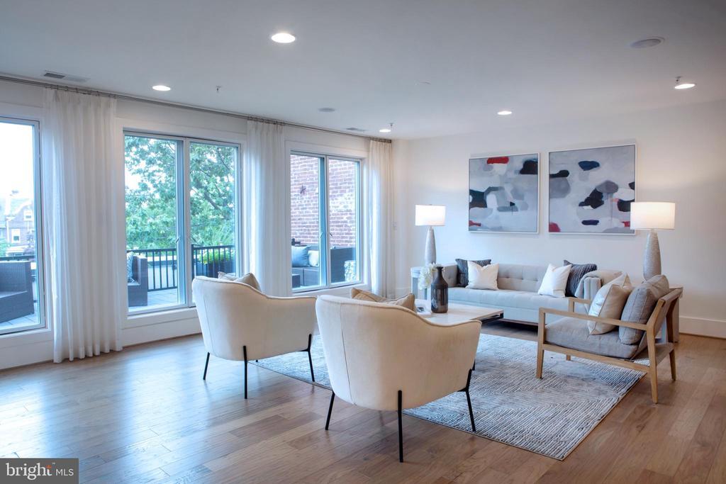 Living Area Northeast - 645 MARYLAND AVE NE #201, WASHINGTON
