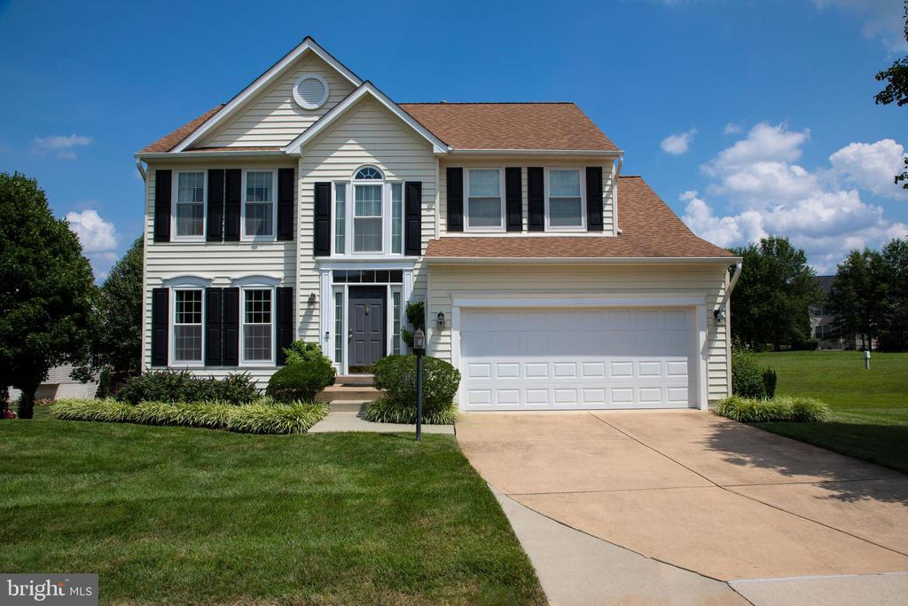 Beautiful SFH in sought-after Potomac Station! - 18728 POTOMAC STATION DR, LEESBURG