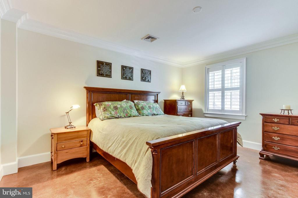Lower level fourth bedroom - 833 S FAIRFAX ST, ALEXANDRIA