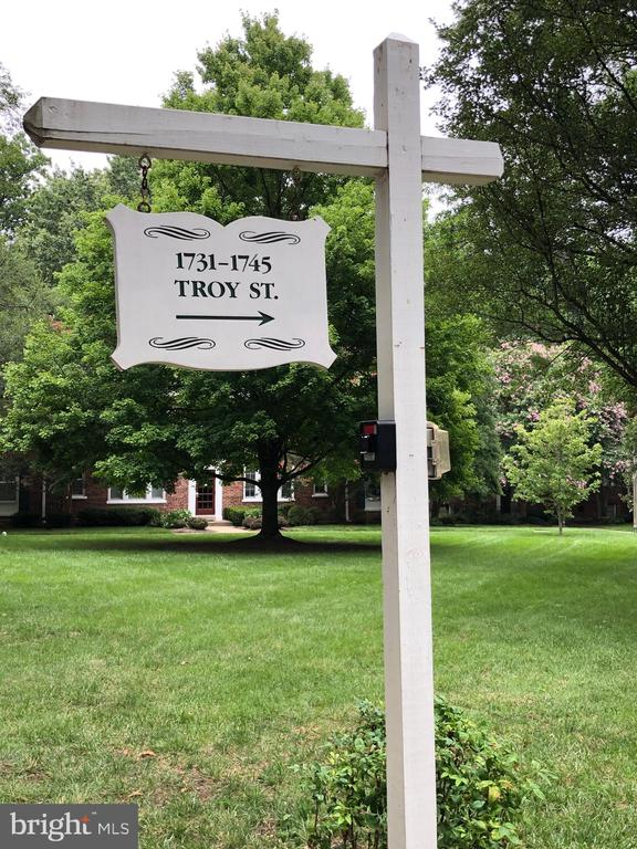 Make Colonial Village Your Home! - 1741 N TROY ST #8-430, ARLINGTON
