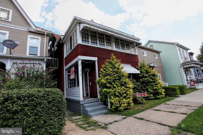 Duplex Homes para Venda às Huntingdon, Pensilvânia 16652 Estados Unidos