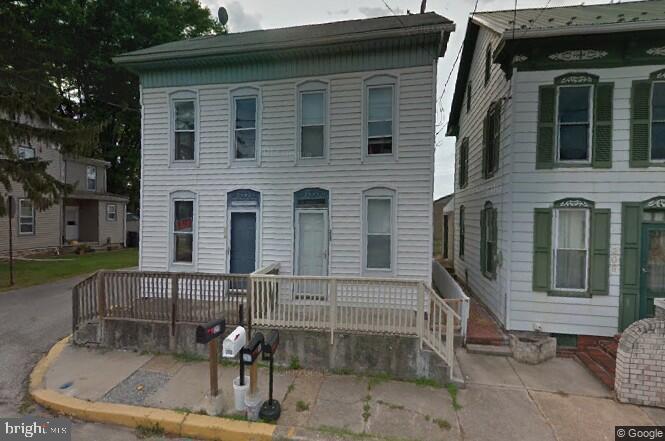 Duplex Homes для того Продажа на East Berlin, Пенсильвания 17316 Соединенные Штаты