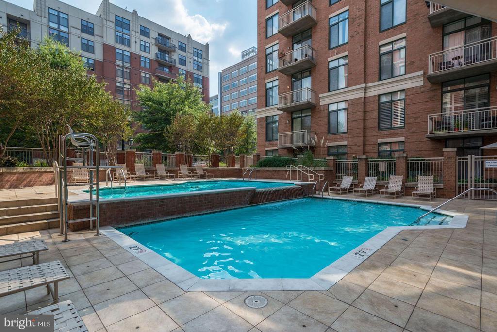 2nd view of resort-style community pool. - 1205 N GARFIELD ST #608, ARLINGTON