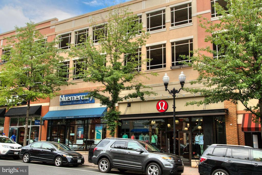 Clarendon shops. - 1205 N GARFIELD ST #608, ARLINGTON