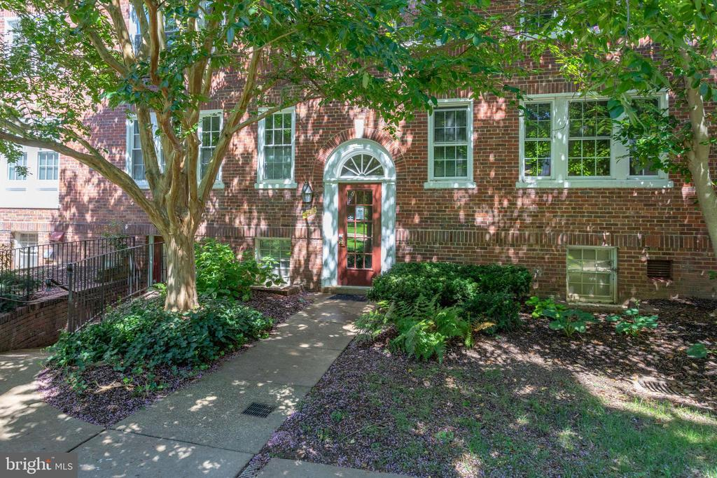 Building also has separate  laundry entrance - 1741 N TROY ST #8-430, ARLINGTON