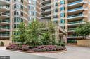 Lovely gardens throughout the community - 5630 WISCONSIN AVE #905, CHEVY CHASE