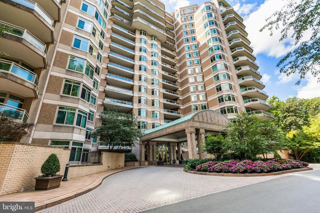 Welcome home! - 5630 WISCONSIN AVE #905, CHEVY CHASE