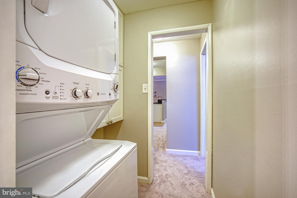New washer and dryer - 1638 WESTWIND WAY, MCLEAN