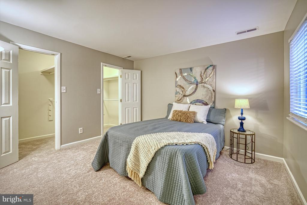 Master bedroom has 2 walk-in closets - 1638 WESTWIND WAY, MCLEAN
