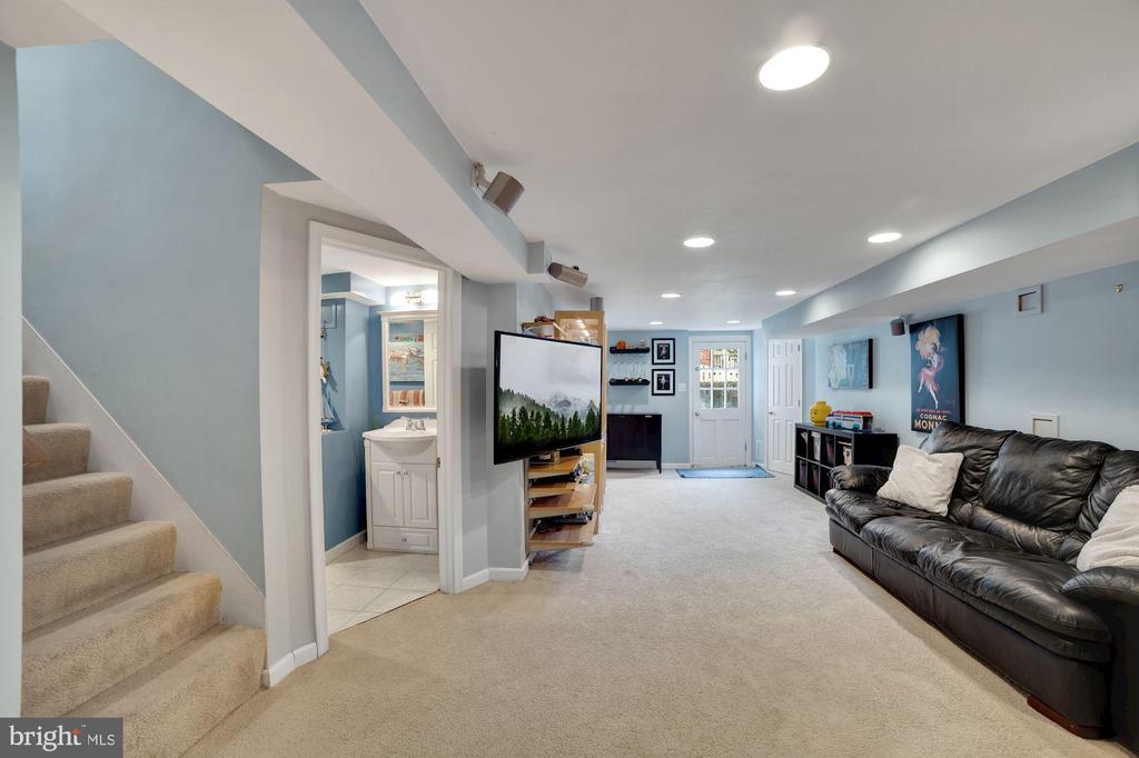 Family Room - Recess Lighting & Very Well Lit! - 7326 RONALD ST, FALLS CHURCH