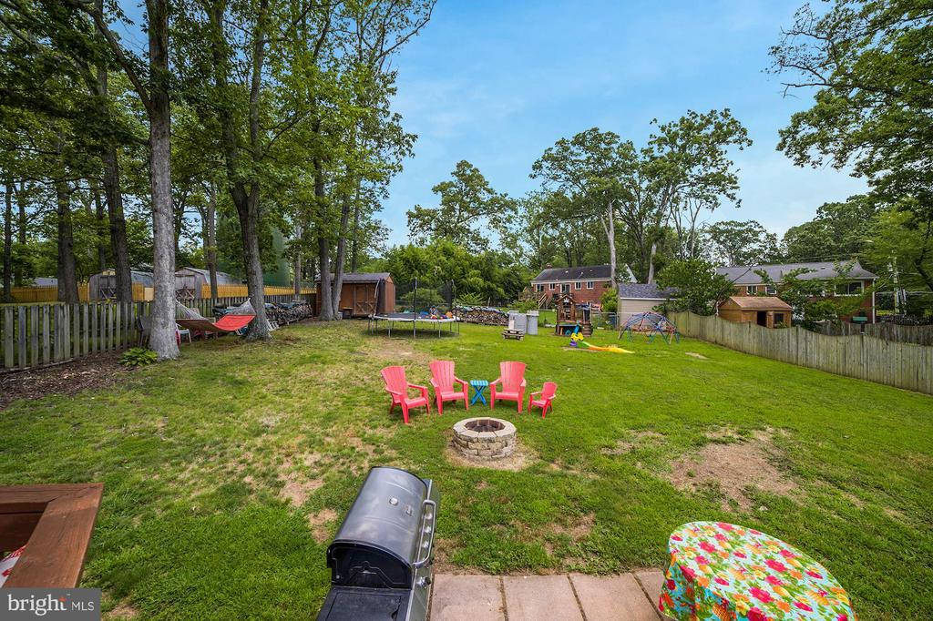 Back Yard is MASSIVE!  Time to Play! - 7326 RONALD ST, FALLS CHURCH