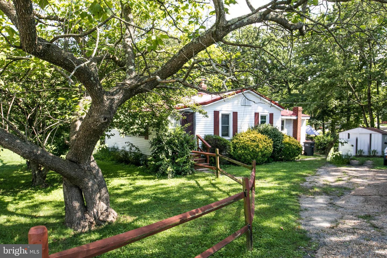 Single Family Homes 为 销售 在 Triangle, 弗吉尼亚州 22172 美国