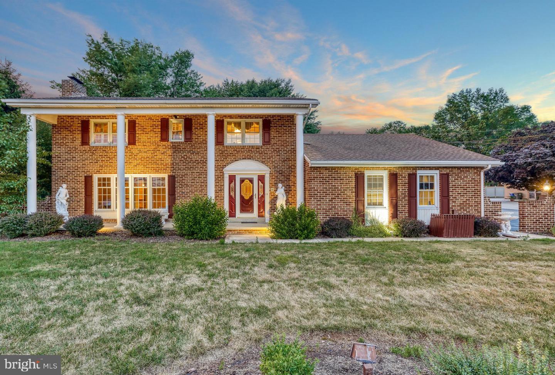Single Family Homes pour l Vente à Dover, Pennsylvanie 17315 États-Unis