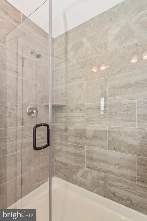 Master Bathroom Shower w/ optional Framless Doors - 527 ISAAC RUSSELL, NEW MARKET