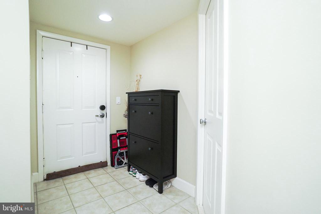 Foyer - 1205 N GARFIELD ST #707, ARLINGTON