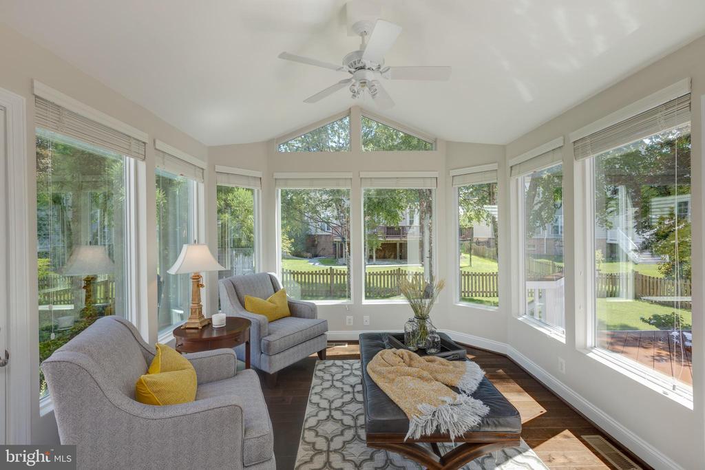 Sunroom with view into Back Yard - 22749 HIGHCREST CIR, BRAMBLETON
