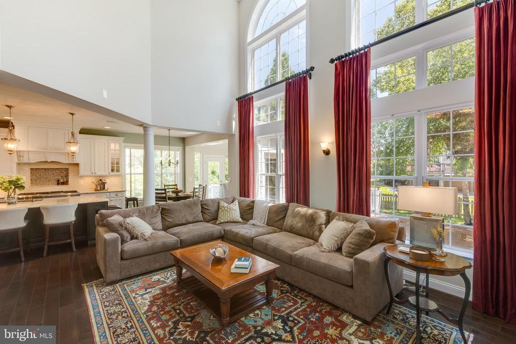 Family Room - 22749 HIGHCREST CIR, BRAMBLETON