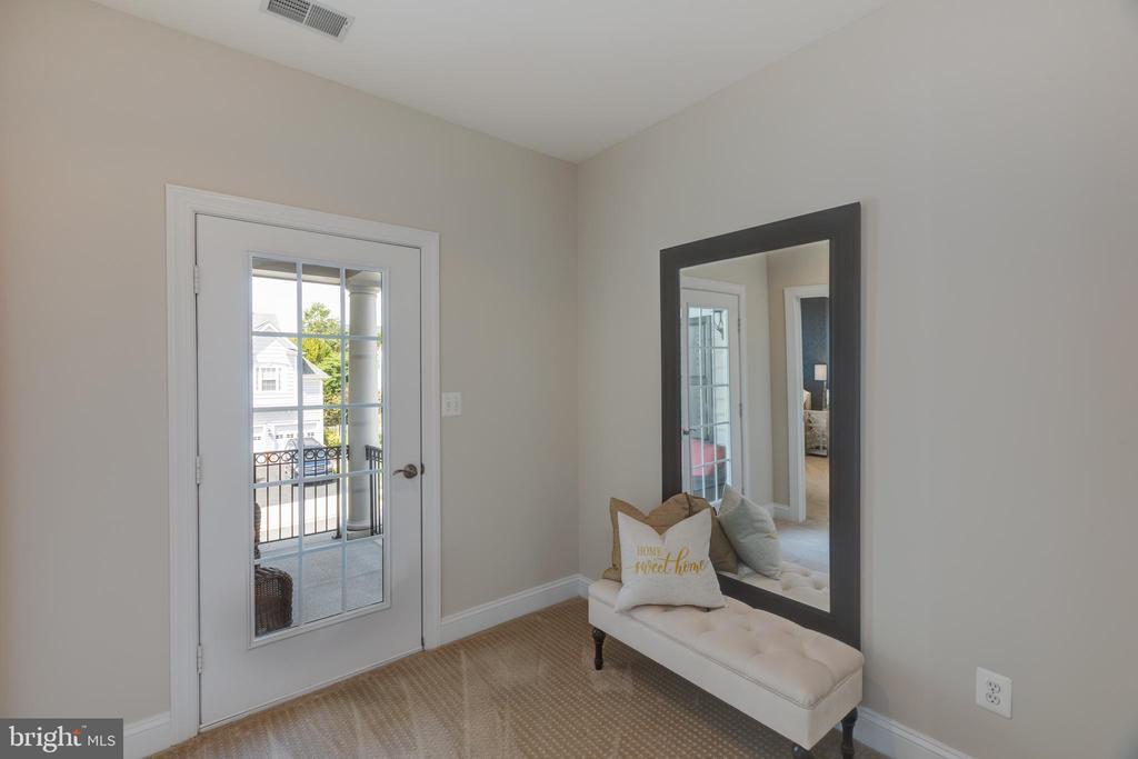 Open Upper Level Hallway near Balcony - 22749 HIGHCREST CIR, BRAMBLETON