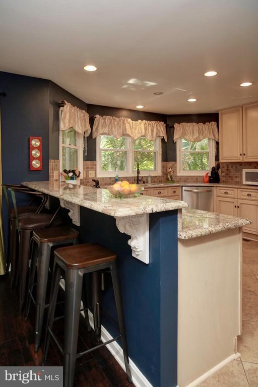 Kitchen Break fast - 4227 STEPNEY DR, GAINESVILLE