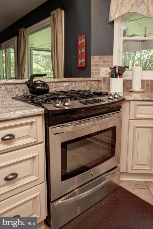 Kitchen - 4227 STEPNEY DR, GAINESVILLE