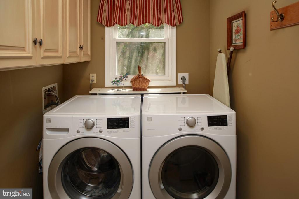 Laundry - 4227 STEPNEY DR, GAINESVILLE