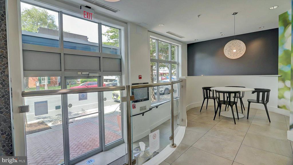 Lobby with concierge desk - 1800 WILSON BLVD #235, ARLINGTON