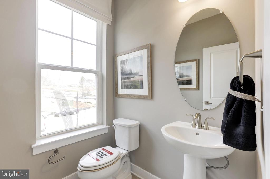 Powder Room - 17660 FALCON HEIGHTS ST, DUMFRIES