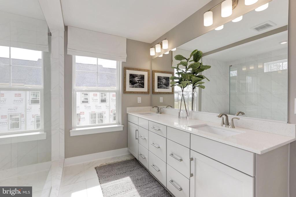Primary Bathroom - 17660 FALCON HEIGHTS ST, DUMFRIES