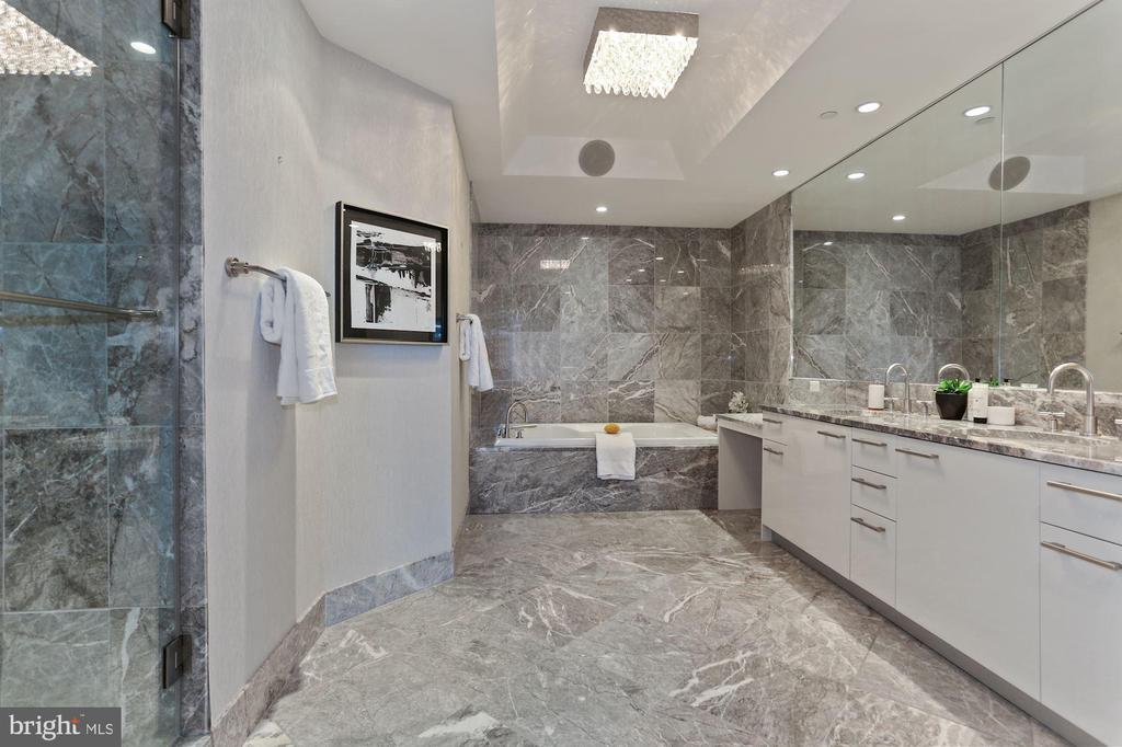Marble Master Bath - 1881 N NASH ST #810, ARLINGTON
