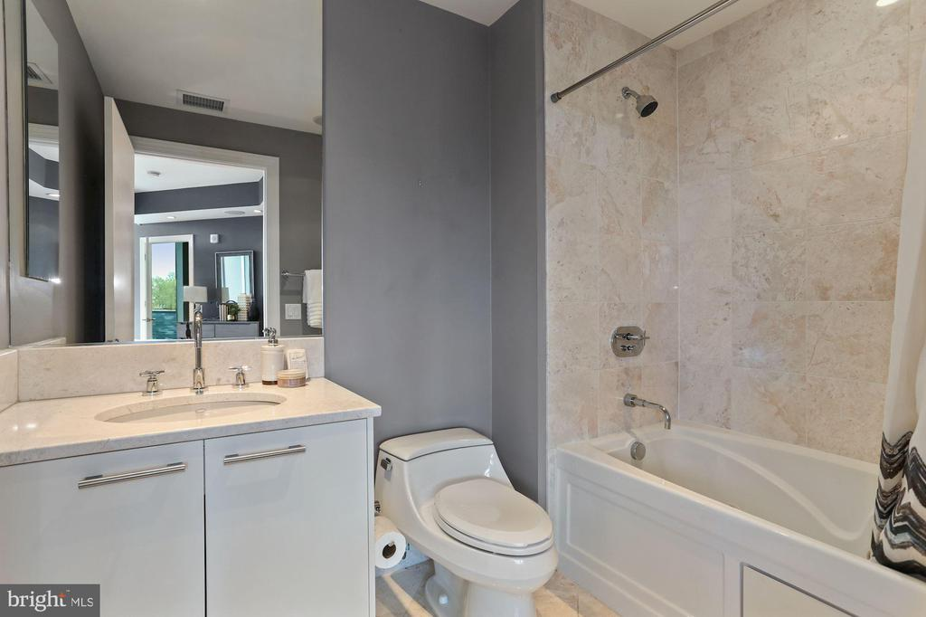 Bedroom #2 En Suite Bath - 1881 N NASH ST #810, ARLINGTON