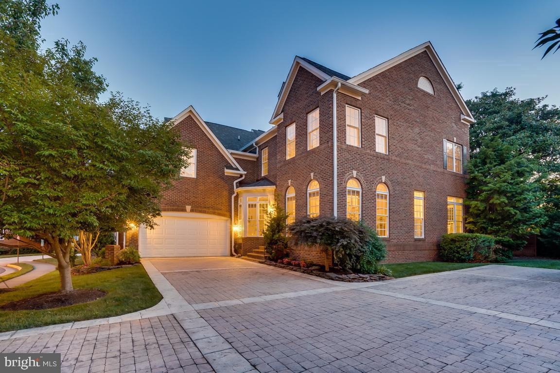 Single Family Homes per Vendita alle ore Dunn Loring, Virginia 22027 Stati Uniti