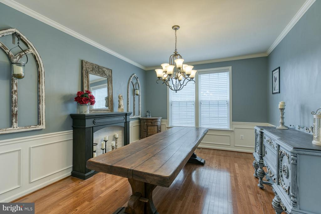 Dining Room with hardwood floors - 517 APRICOT ST, STAFFORD