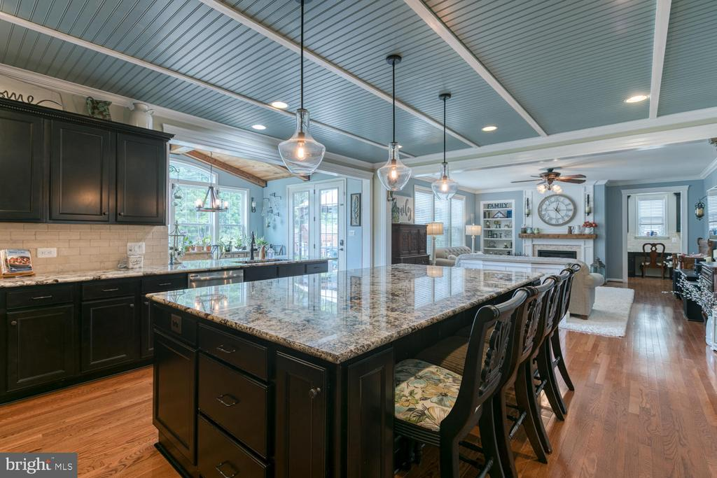 Recessed lights - 517 APRICOT ST, STAFFORD