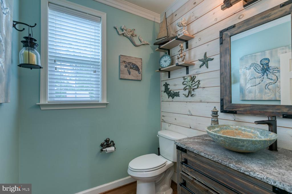1/2 Bathroom with shiplap wall - 517 APRICOT ST, STAFFORD