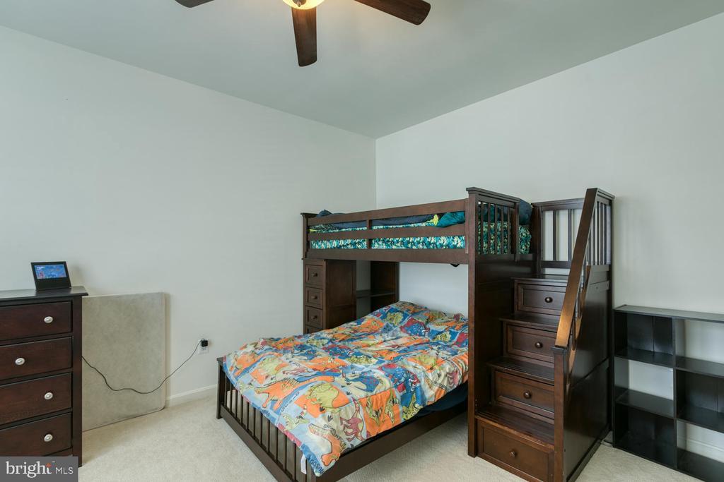Bedroom 2 - 517 APRICOT ST, STAFFORD