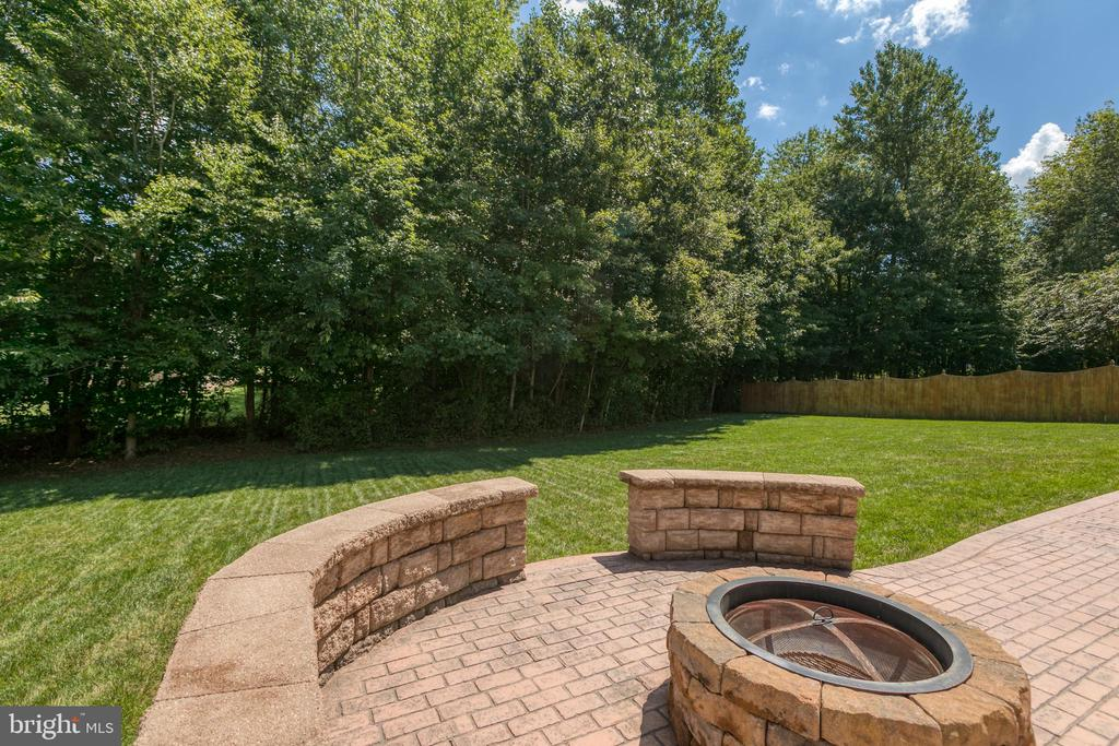 Stamped Concrete Patio with Fire Pit - 3 ETERNITY CT, STAFFORD