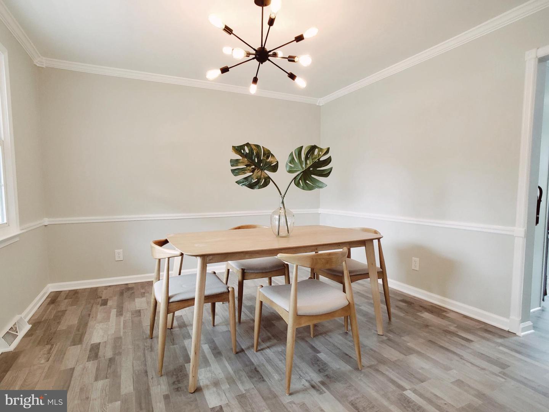Single Family Homes pour l Vente à Pennsville, New Jersey 08070 États-Unis
