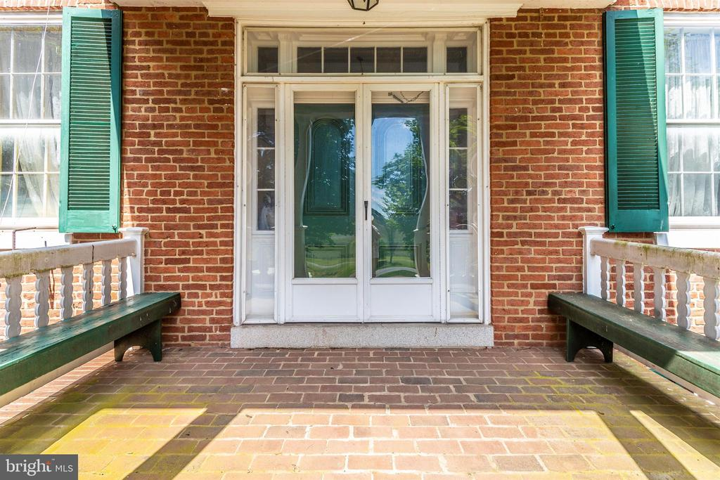 Front entrance. - 7030 DRUMMINE RD, MOUNT AIRY