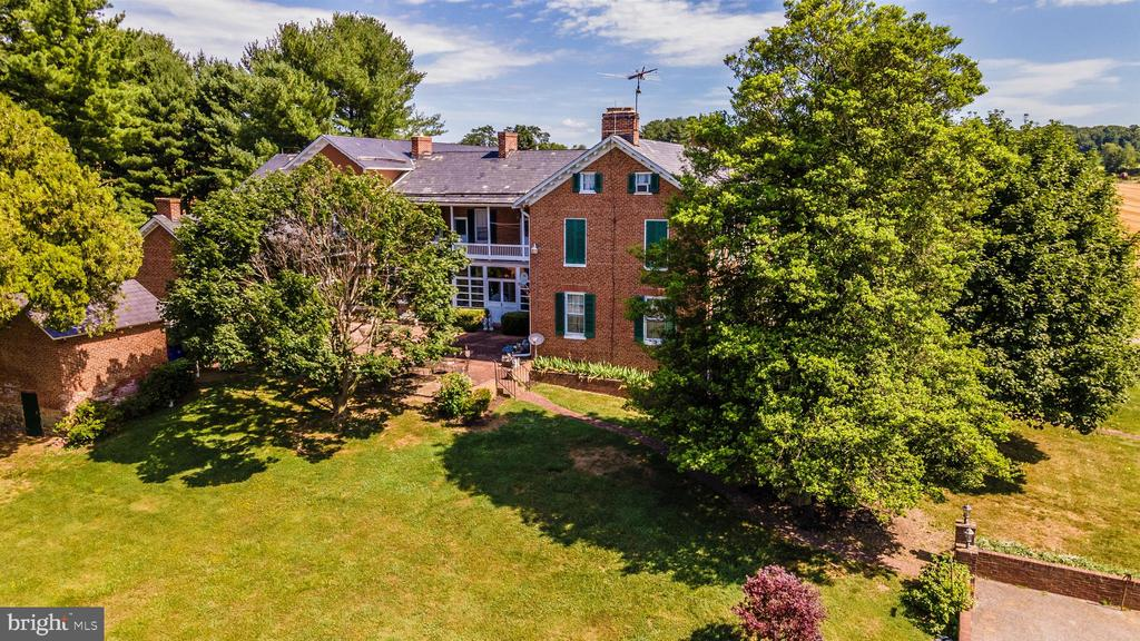 A unique Frederick county listing. - 7030 DRUMMINE RD, MOUNT AIRY