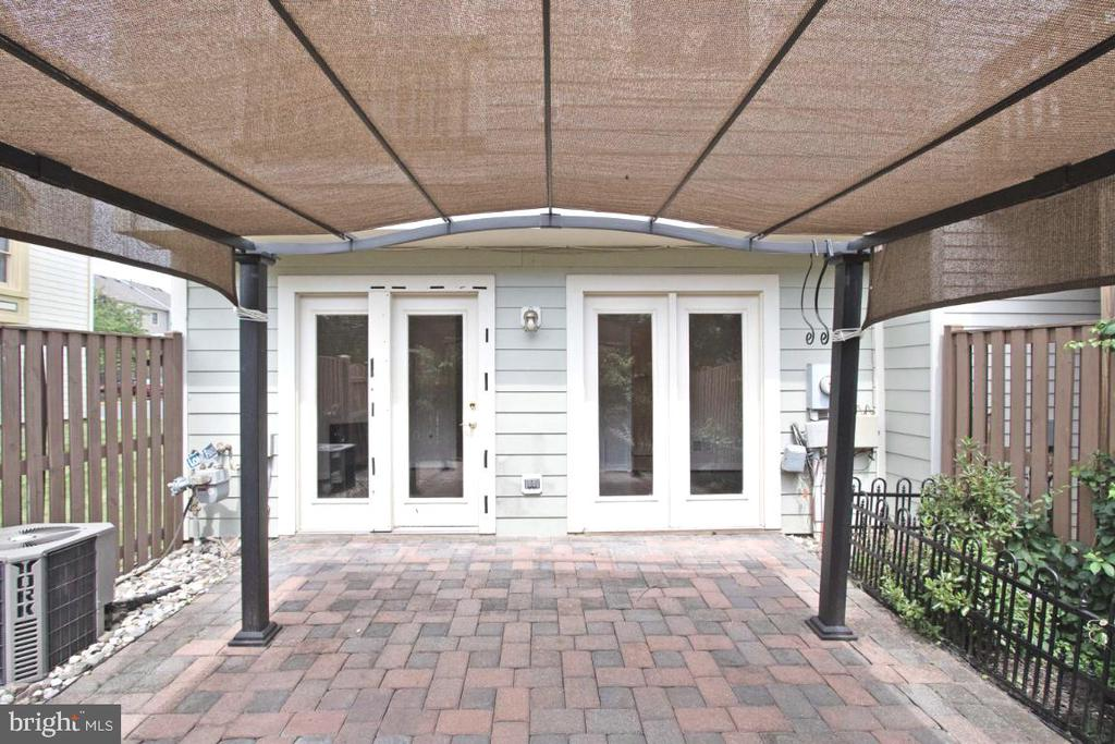 Paver Patio - 255 TOWN BRANCH TER SW, LEESBURG