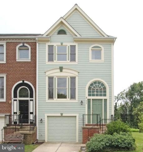 End unit backing to the bike path - 255 TOWN BRANCH TER SW, LEESBURG