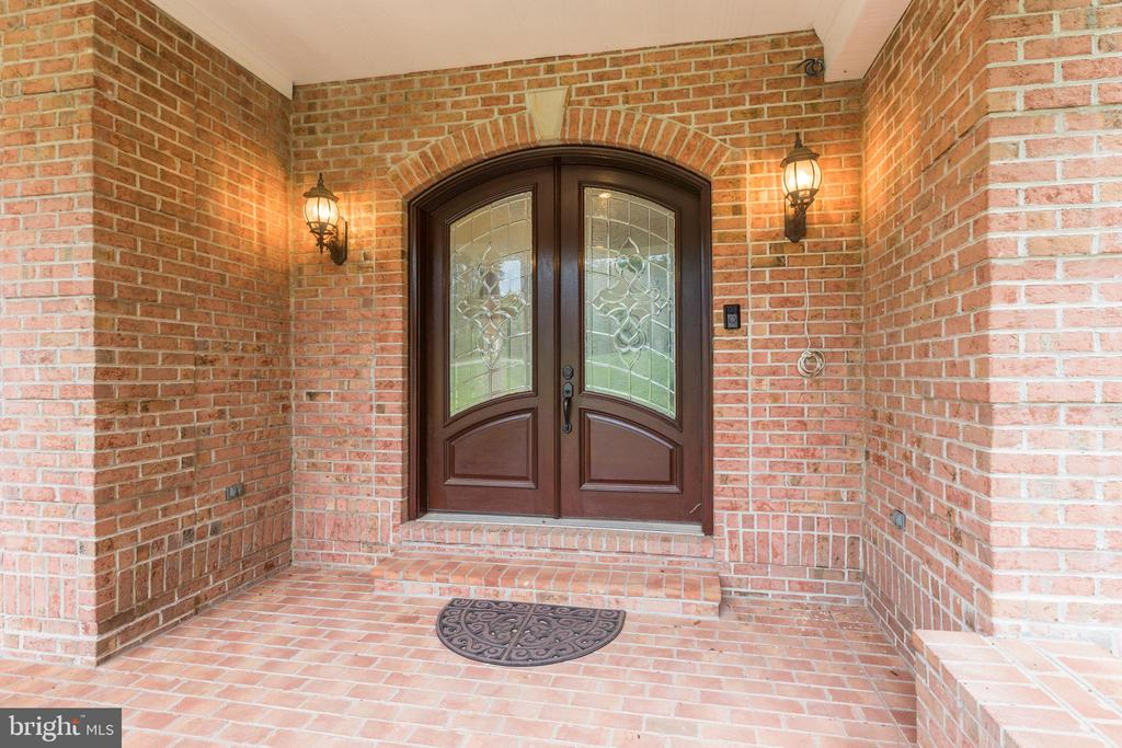 One More Look!  Before We View Inside! - 11400 ALESSI DR, MANASSAS