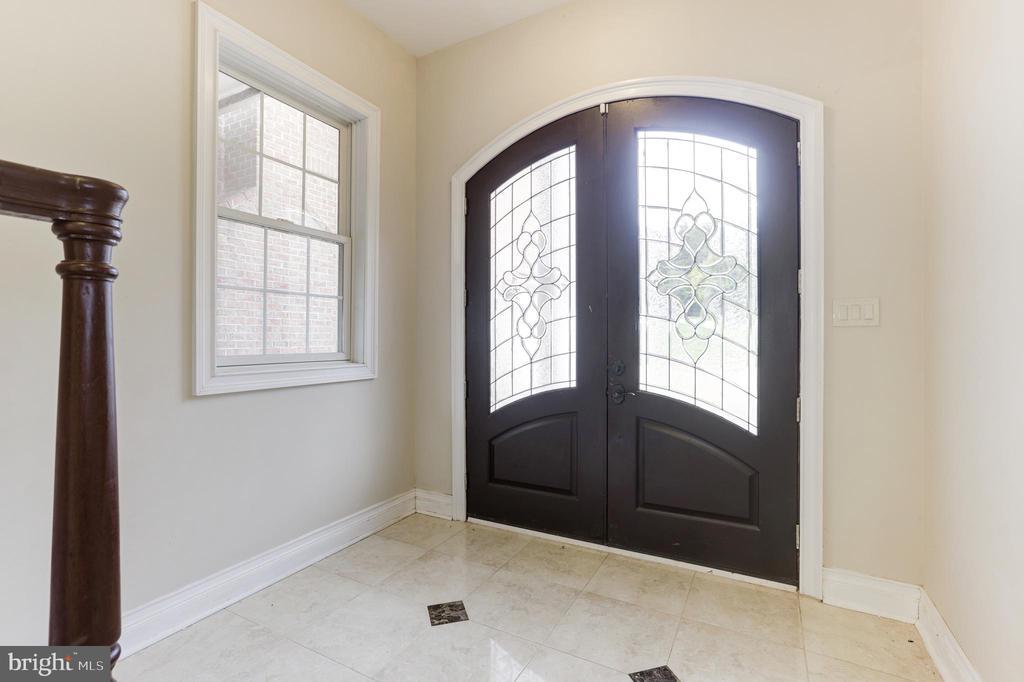 Foyer Second Inlaw Suite Door to the Driveway! - 11400 ALESSI DR, MANASSAS