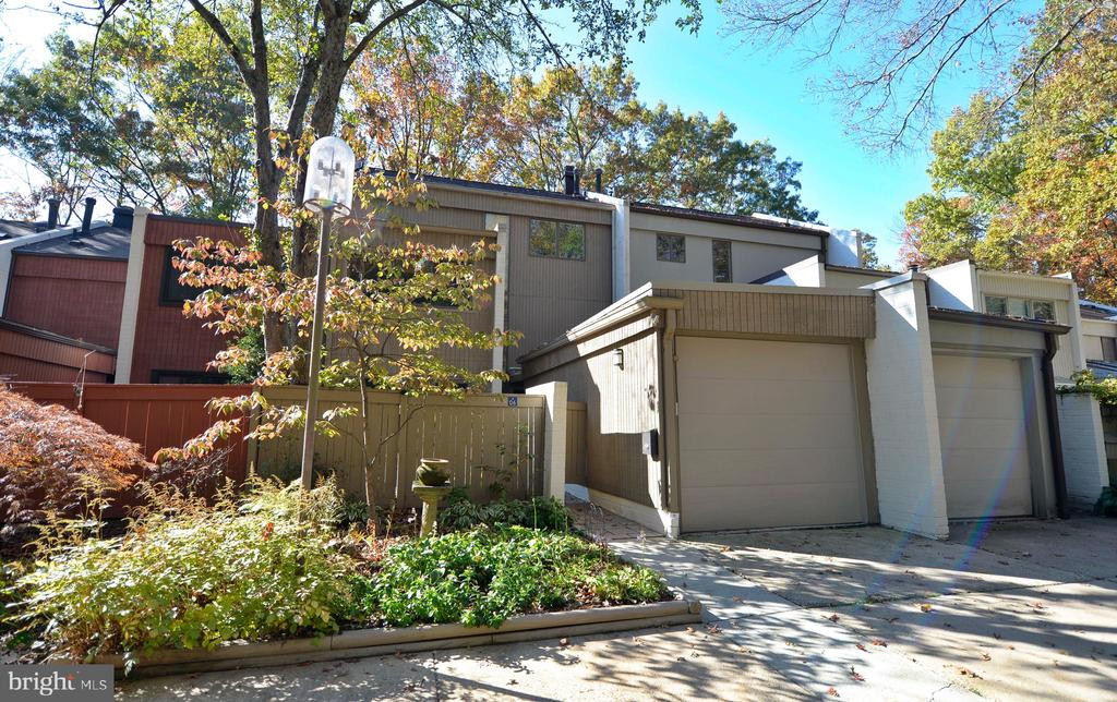 MLS VAFX1116030 in RESTON/WATERVIEW
