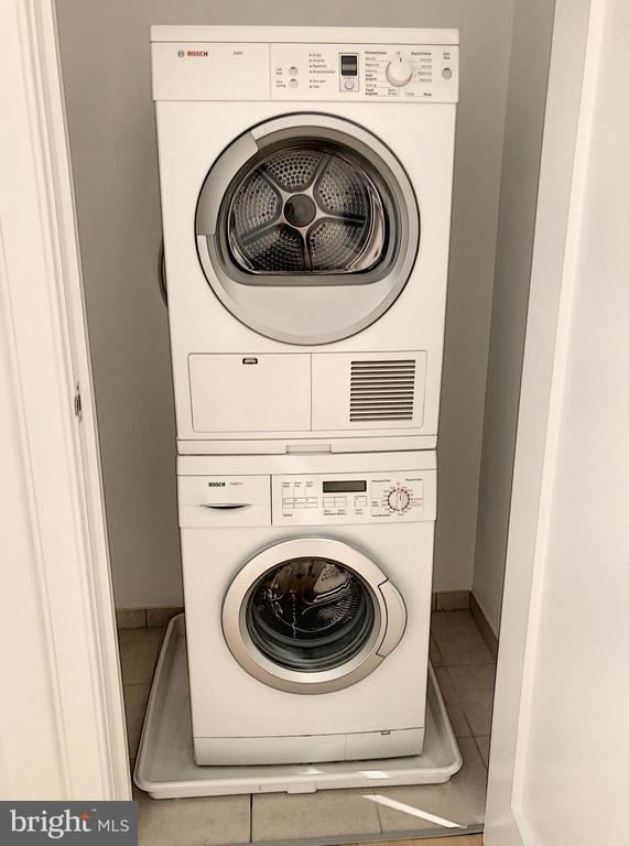 Washer/dryer in unit - 1111 19TH ST N #1509, ARLINGTON
