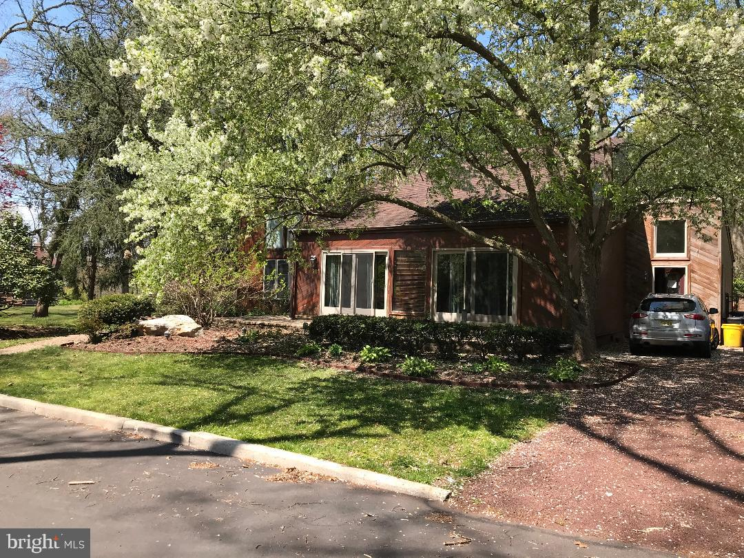 Single Family Homes för Försäljning vid Burlington Township, New Jersey 08016 Förenta staterna