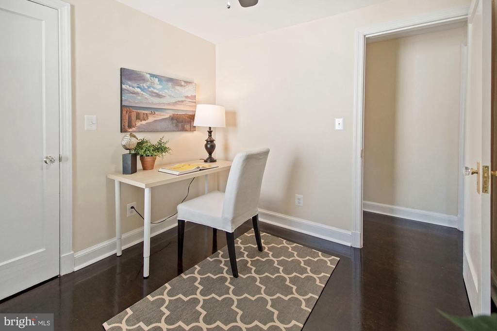 2nd bedroom or office - 4808 GUILFORD RD, COLLEGE PARK