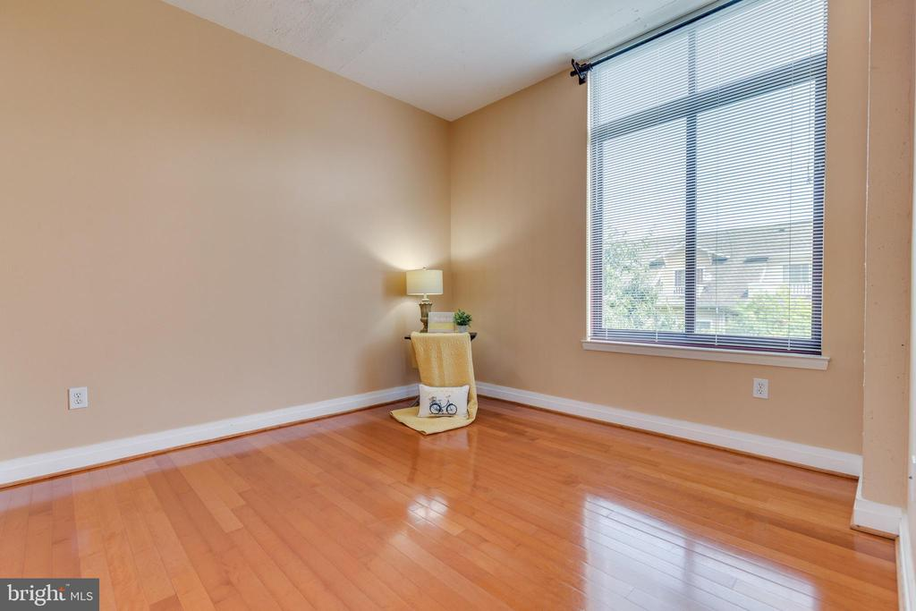 Hardwoods with city view - 1201 N GARFIELD ST #316, ARLINGTON