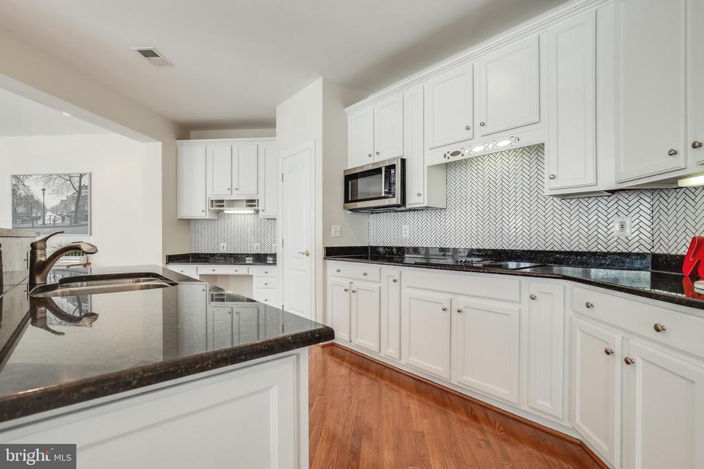 Newly renovated Kitchen - 18857 ACCOKEEK TER, LEESBURG