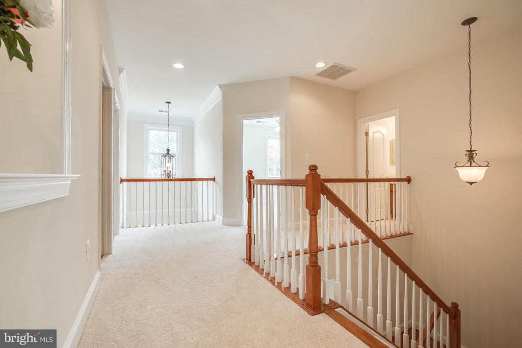 Upper Level Landing - 18857 ACCOKEEK TER, LEESBURG